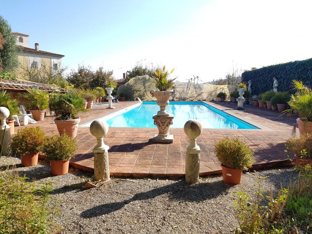 Villa in der Toskana mit großem Pool