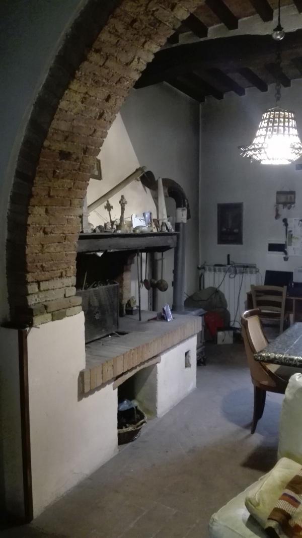 Kamin in alten Haus Toskana