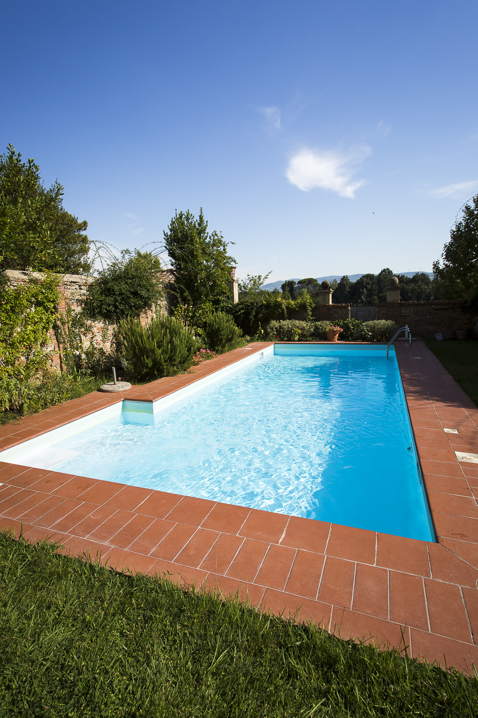 Pool eines Hauses bei Pisa mit einer Fläche von 5 x 12 m